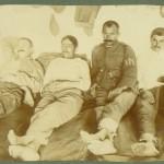 Болни български войници на лечение в казармите в арсенала в Атина, декември 1919 г.